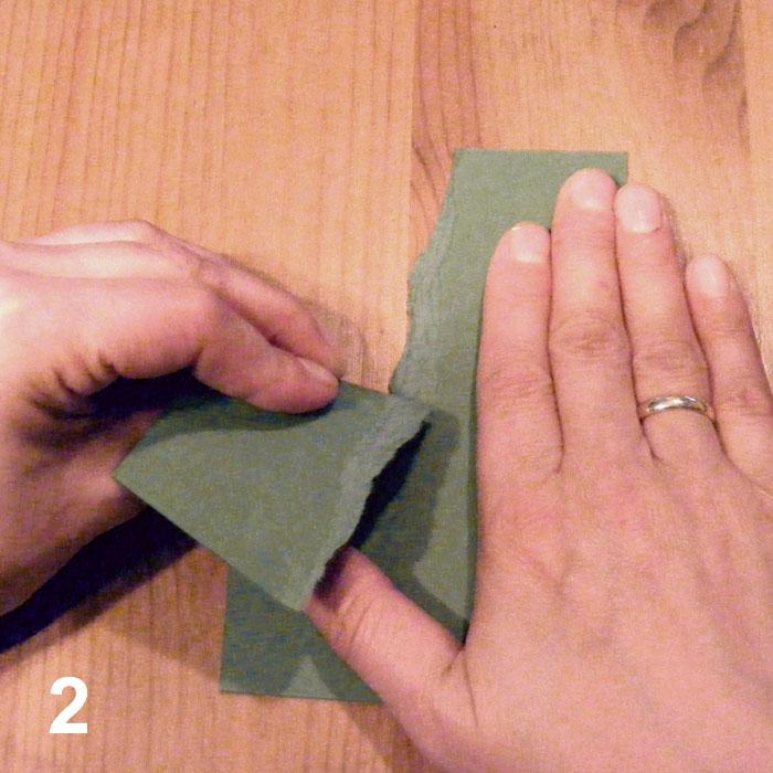 Papírtépés szabad kézzel